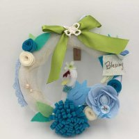 優惠價MOP260 天鵝湖不織布藍色掛環   獨一無二的手作配上優雅的天鵝,作女孩子生日或節日心意禮物